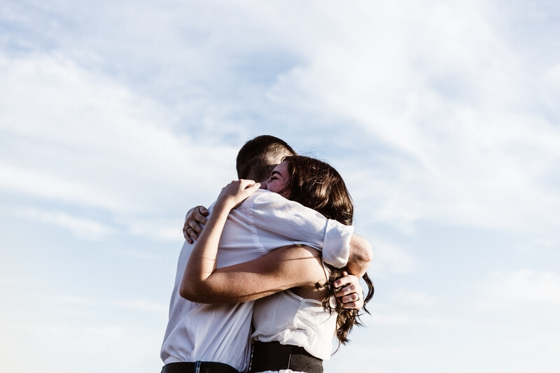 Give a Hug (or Get One): Here's Why It's Healthy