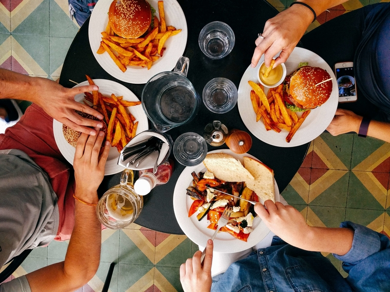 5 Smart Substitutions When Eating Out