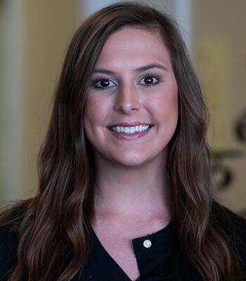 Lauren Reagan headshot-south ga spine joint and rehab center